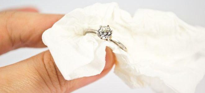 Лучшие способы: как почистить белое золото с бриллиантами в домашних условиях?