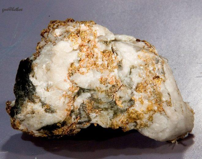 Добыча золота из россыпей и камня
